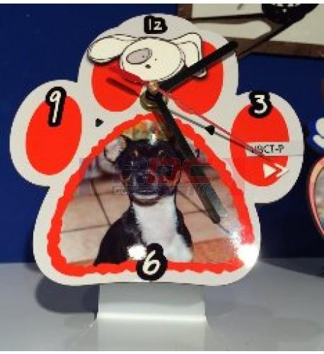 Horloge de table en fibre en forme de patte d'animal