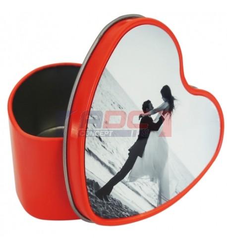 Boite rouge en aluminium forme coeur 7,5 x 4 x 8 cm (vendu à l'unité)