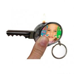 Briquet à gaz porte-clé au format d'une clé (vendu à l'unité)