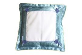 Housse de coussin satinée bleu ciel format 38 x 38 cm