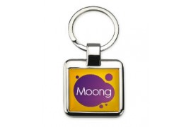 Porte-clé carré en métal chromé avec marquage doming